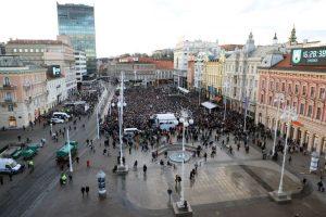 Desetak tisuća građana na prosvjedu protiv zagrebačkog gradonačelnika
