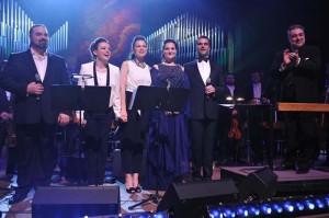FOTO: Sandra Bagarić i Zagrebačka filharmonija održali humanitarni koncert u Lisinskom