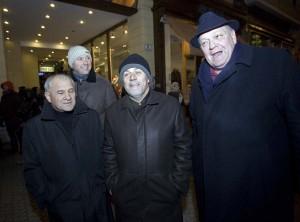 Gradonačelnik Bandić s prijateljima dočekao Novu na Trgu bana Jelačića