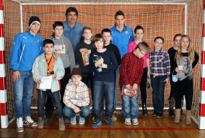 Prvotimci Dinama zajedno s trenerom Mamićem oduševili djecu u OŠ Brestje