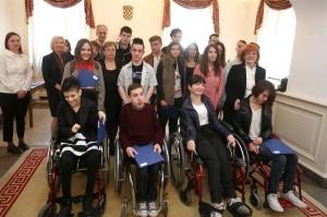 Grad Zagreb daje nove stipendije učenicima i studentima s invaliditetom te izvrsnima i doktorandima