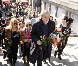 Milan Bandić Zagrepčankama dijelio ruže