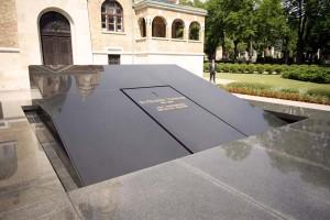 GRADSKA GROBLJA: Dozvoljen ulazak na groblja, ali isključivo na vlastitu odgovornost