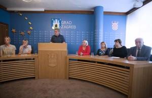 Bandić pozvao građane da se kupaju na Jarunu i Bundeku