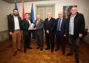 ANDRIJA MIKULIĆ: Financiranje sporta treba biti transparentno i nedvosmisleno!