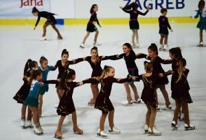 Gradonačelnik Bandić otvorio klizački spektakl u Ledenoj, Hrvatice osvojile dvije medalje
