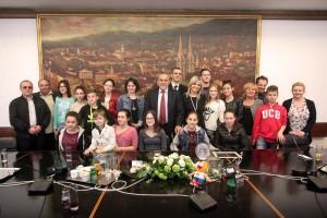 Učenici i profesori iz Karaševa kod gradonačelnika Bandića