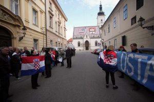 Prosvjed  ZA i PROTIV o dodijeli nagrade grada Zagreba režiseru Jakovu Sedlaru