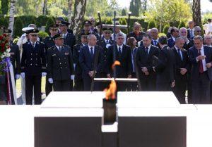 Na Dan Oružanih snaga RH državno izaslanstvo položilo vijence na Mirogoju