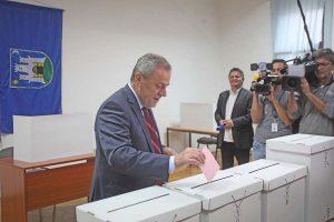 Bandić vodi u zagrebačkom gradskom parlamentu