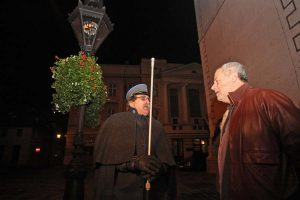 Gradonačelnik Milan Bandić pustio u rad dvije replike najstarijih plinskih lanterni