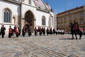 Na Uskrsni ponedjeljak počela nova sezona smjene straže Kravat pukovnije