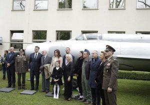 POVRATAK POBJEDNIKA: Perešinov MiG-21 otkriven ispred MORH-a
