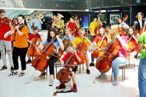 Flash mobom u Zračnoj luci Franjo Tuđman obilježen Svjetski dan glazbe