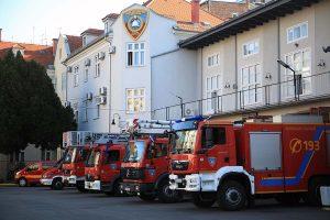 Vatrogasci intervenirali na Zavrtnici zbog urušavanja stropa