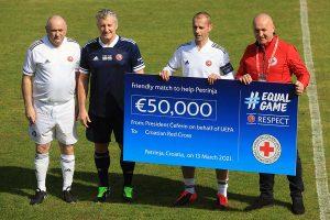 Nogometne legende Hrvatske i Slovenije odigrale humanitarnu utakmicu za potresom pogođenu Petrinju
