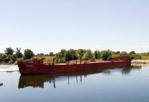 Uspješno odsukan brod na Savi u Zagrebu